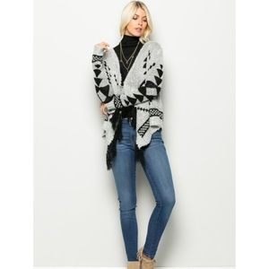Romeo+Juliet Couture Fuzzy Sweater Duster!